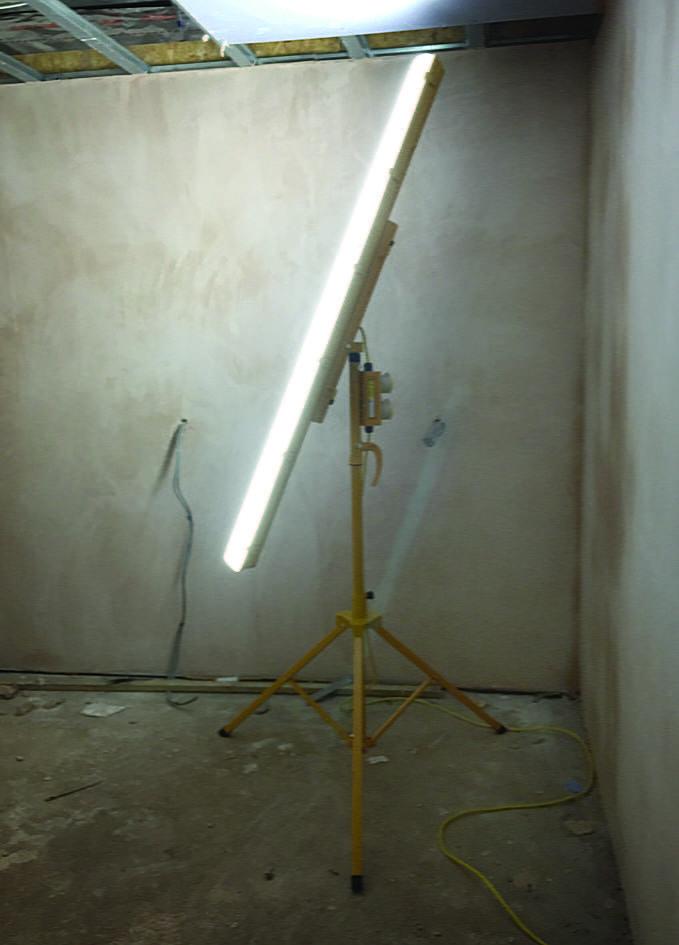 LED Tripod Light 35W 110V
