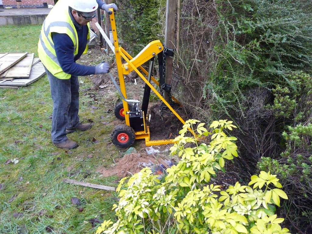 Fence Post Puller 4000kg Smiths Hire