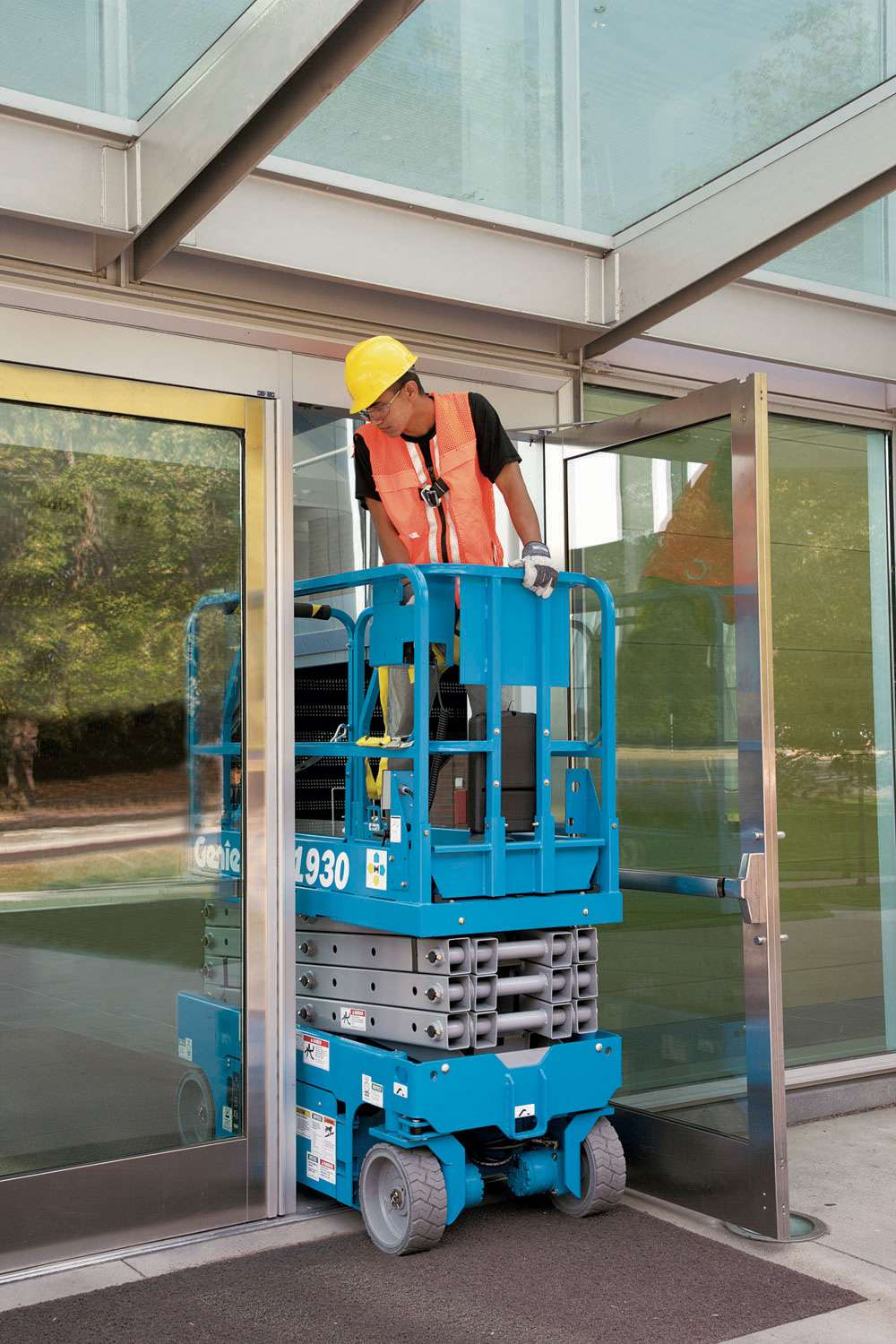 GS1930 Hire | Scissor Lift Hire | Powered Access | Smiths Equipment Hire