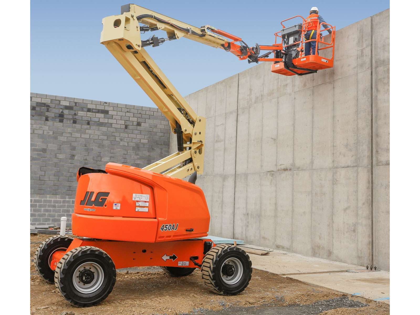 4 Benefits Provided by Boom Lift Hire